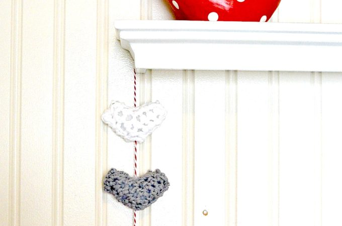 Easy Crochet Puffy Hearts Wall Hanging