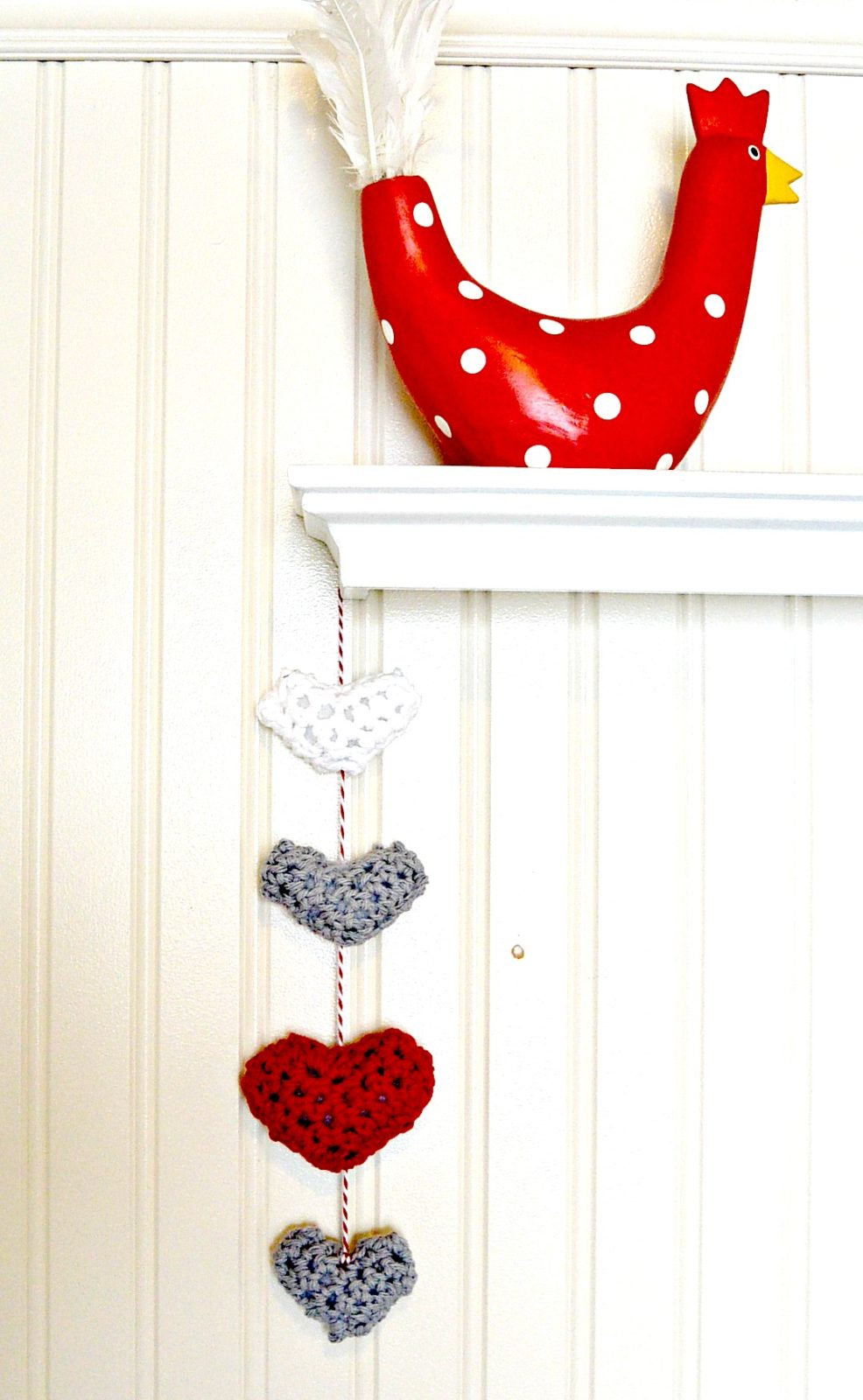Easy Crochet Puffy Hearts Wall Hanging