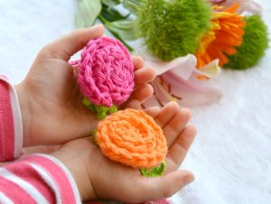 Crochet Deco Roses with Leaves