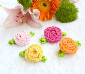 Small Beginner Crochet Deco Roses