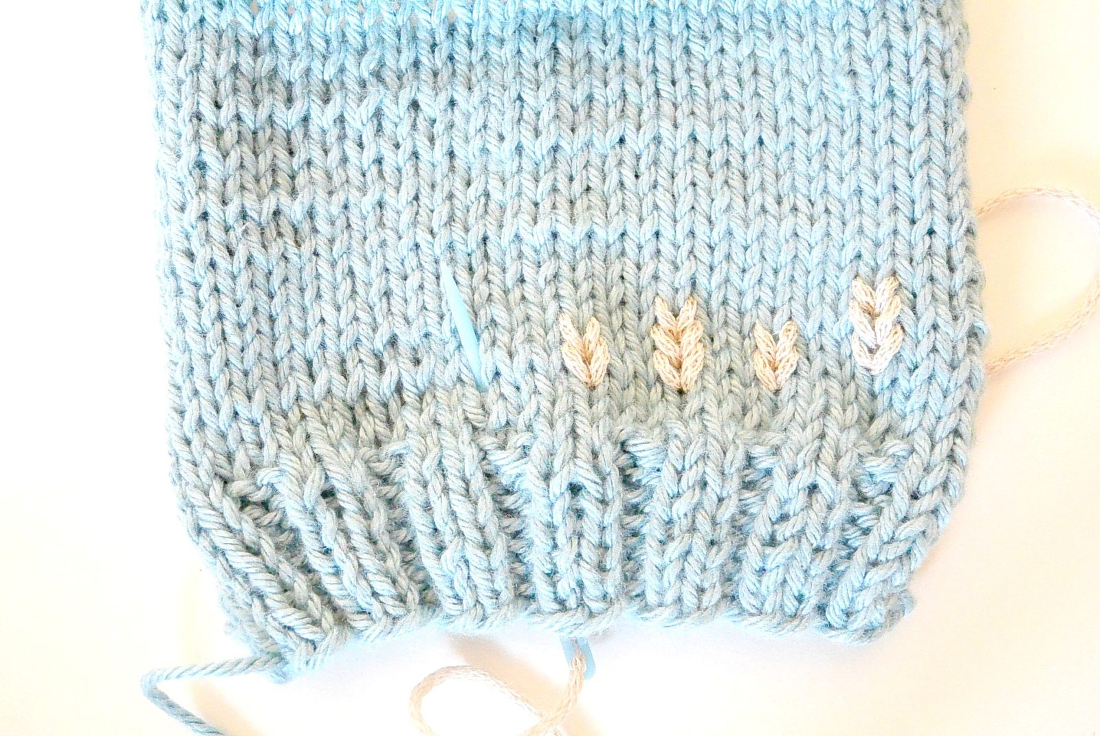 Embroider on Knit Tutorial – Duplicate Stitch
