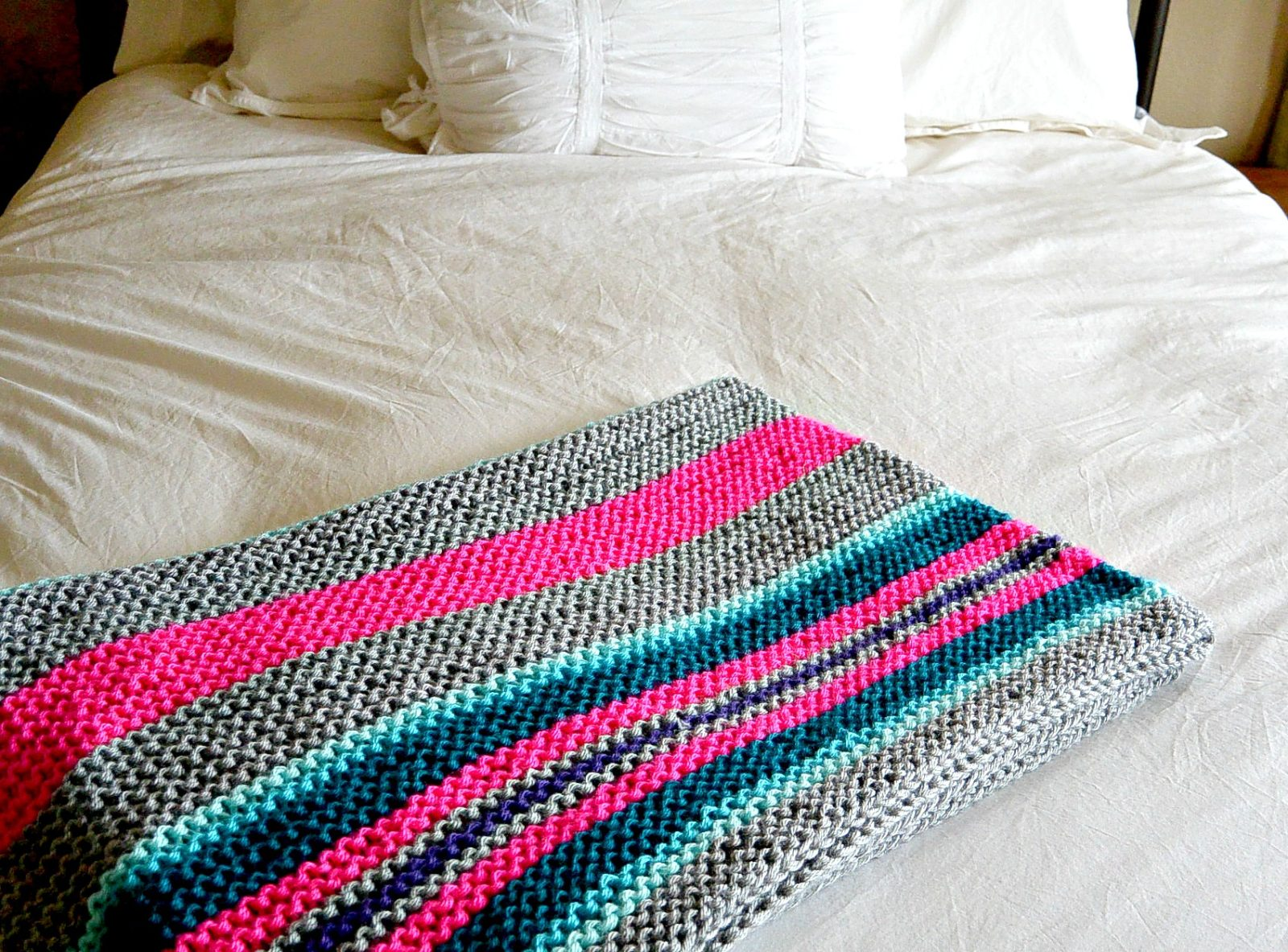 easy native stripes knit blanket  throw – mama in a stitch - beginner serape style knit blanket