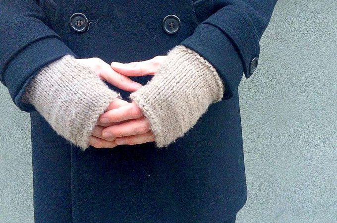"Men's Modern ""Tweed"" Knit Fingerless Mitts Pattern"