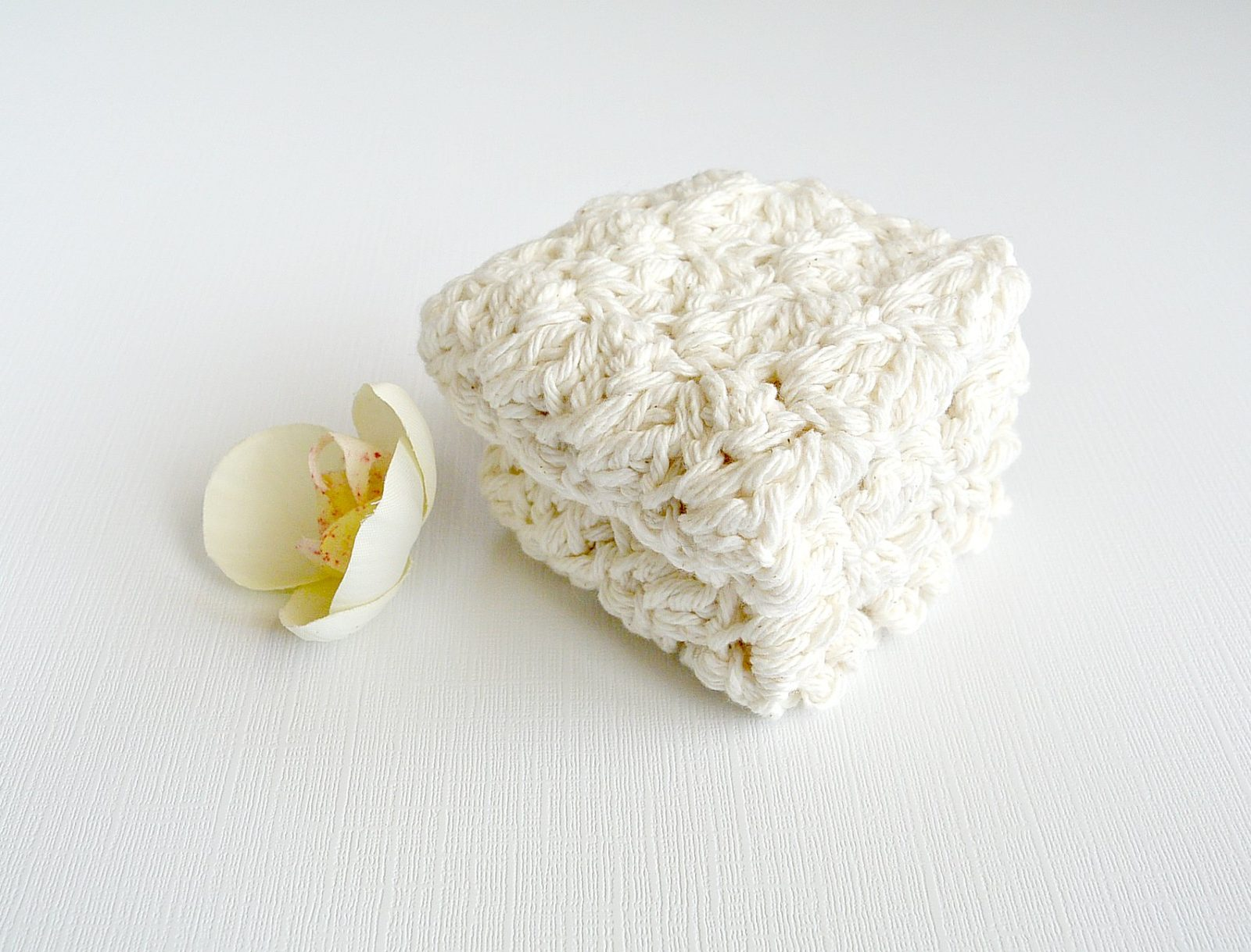 Bath House Spa Crochet Washcloths (Free Pattern)