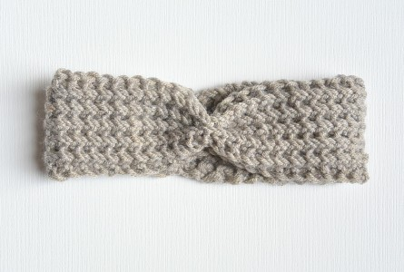 Knitting Pattern Ribbed Headband : Vintage Knit Tie Headband Pattern   Mama In A Stitch