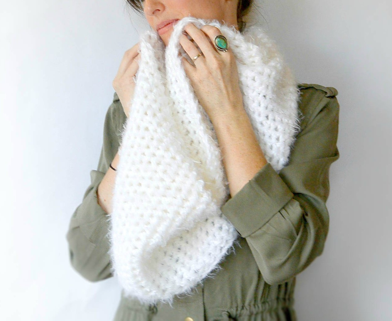 Powdered Sugar Crochet Infinity Scarf Pattern – Mama In A Stitch