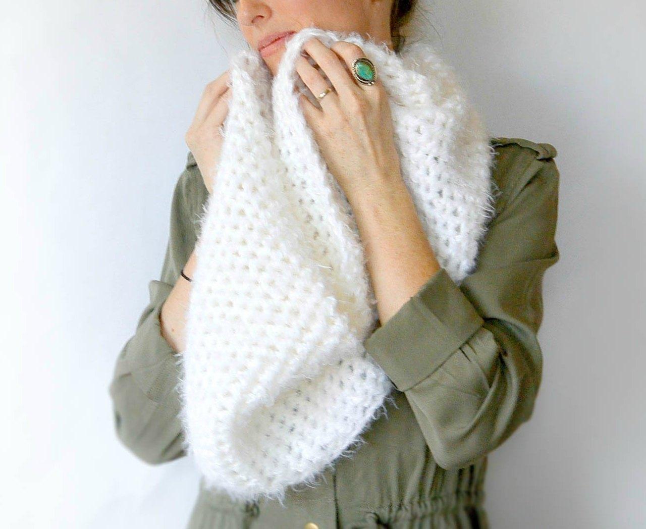 Powdered Sugar Crochet Infinity Scarf Pattern
