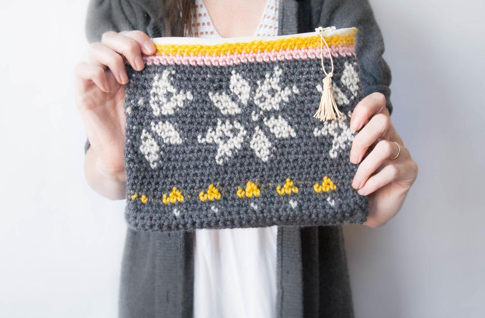 "Knit Look ""Sweater"" Tapestry Crochet Bag"