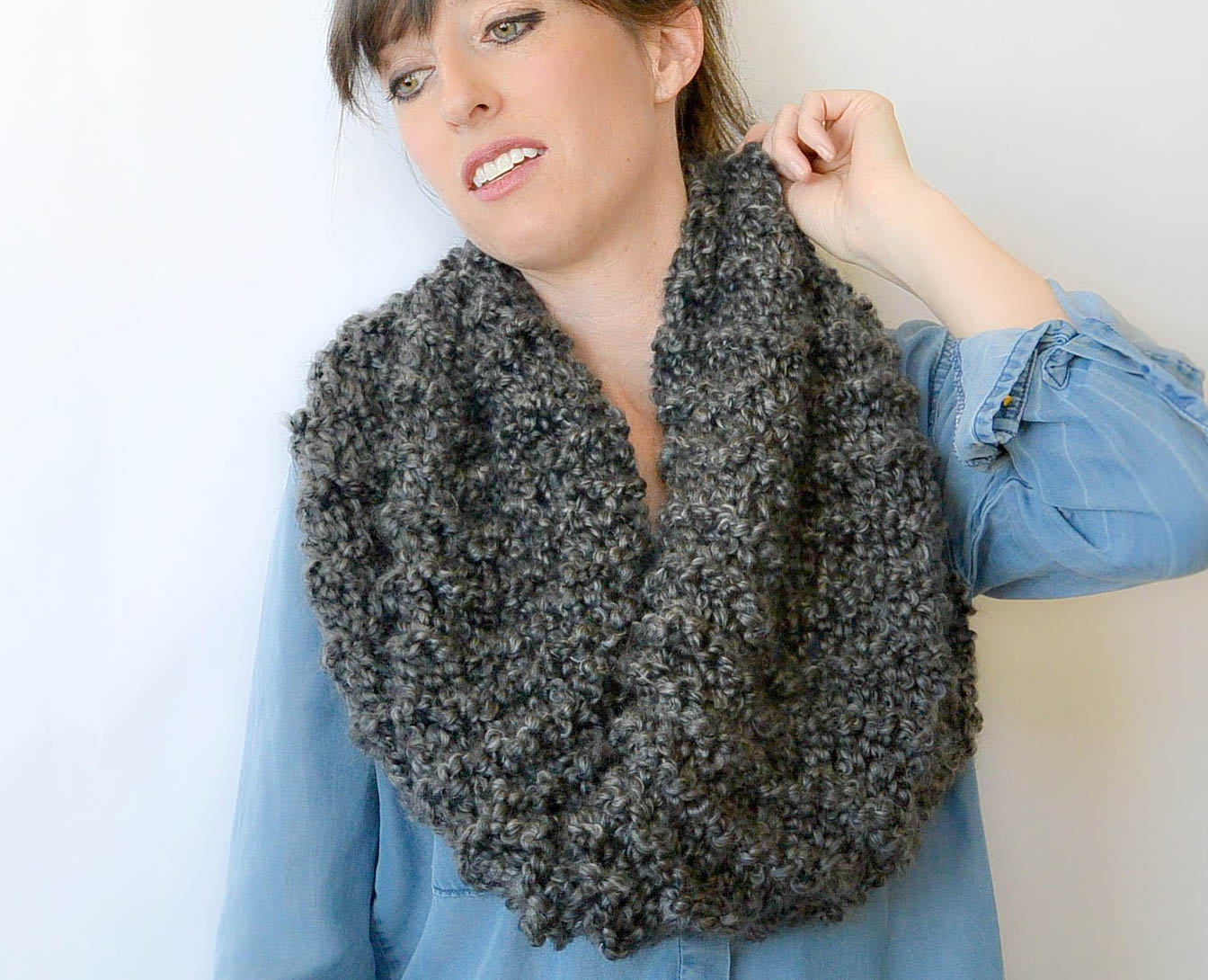 Knitting Pattern For Beginner : TALL Eiffel Cowl - Beginner Knitting Pattern   Mama In A Stitch