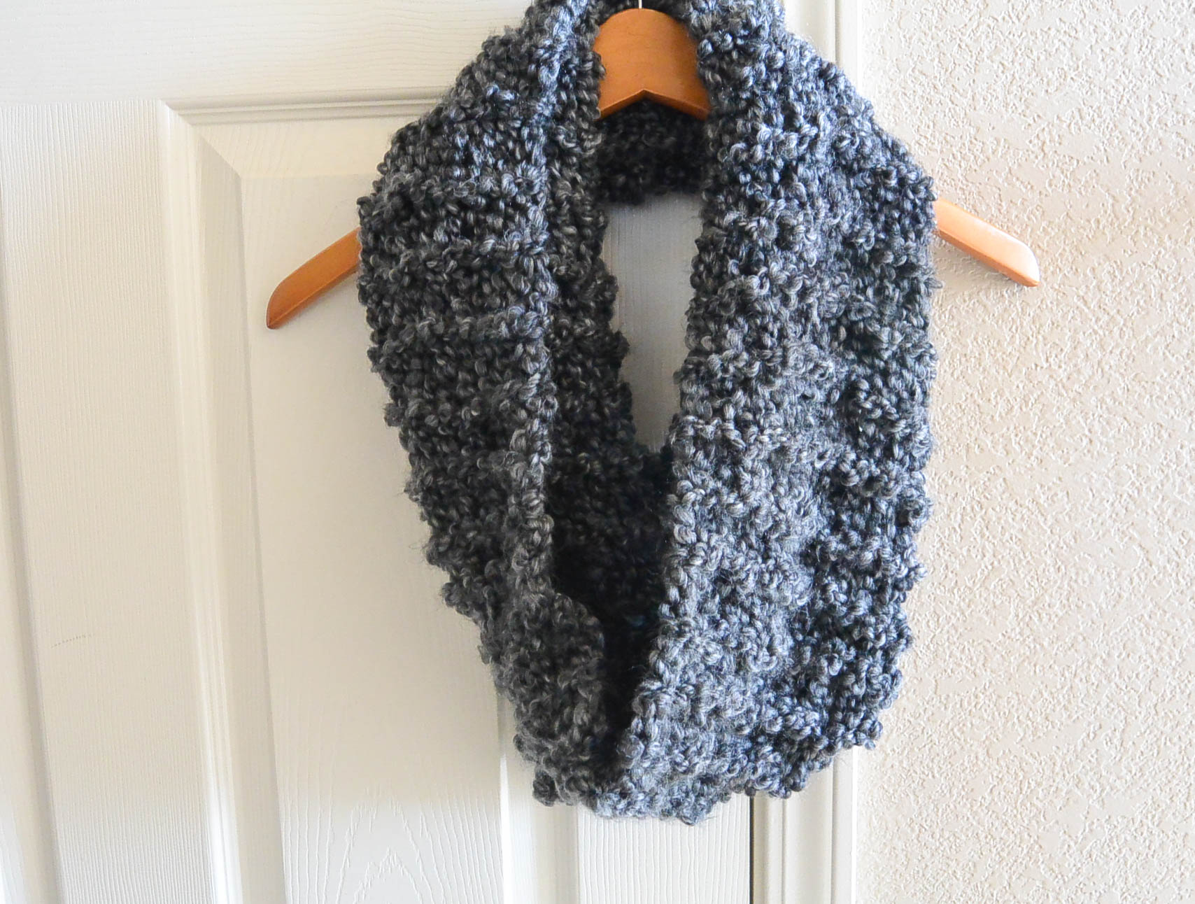 TALL Eiffel Cowl - Beginner Knitting Pattern – Mama In A Stitch