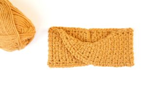 Easy Crochet Twist Headband