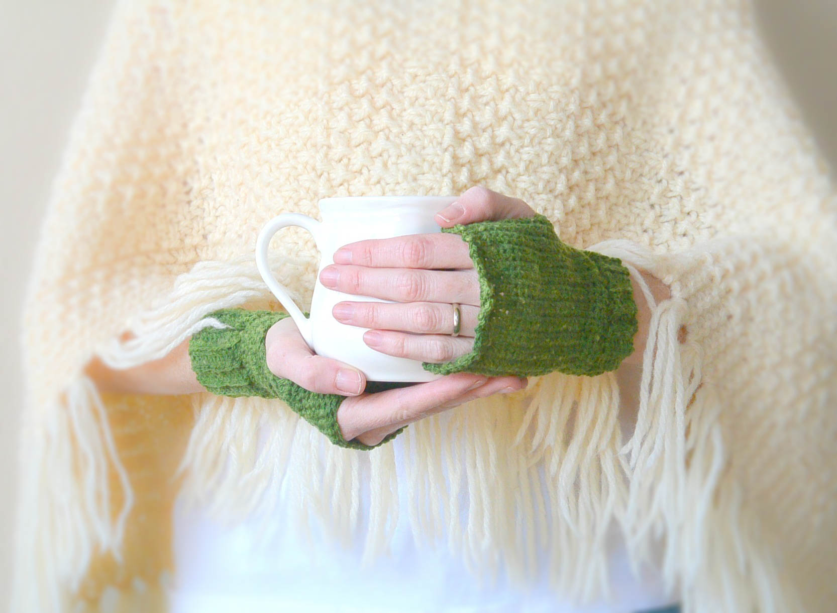 Easy Crochet MMW Easy Fingerless Mitts