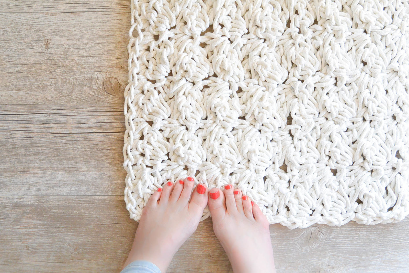 How To Crochet A Bath Rug with Rope ? Mama In A Stitch