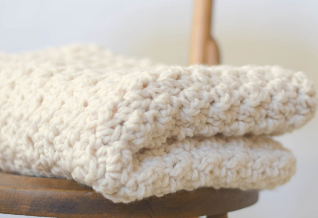 Crochet Stitches For Chunky Yarn : Chunky Crochet Blanket Free Pattern