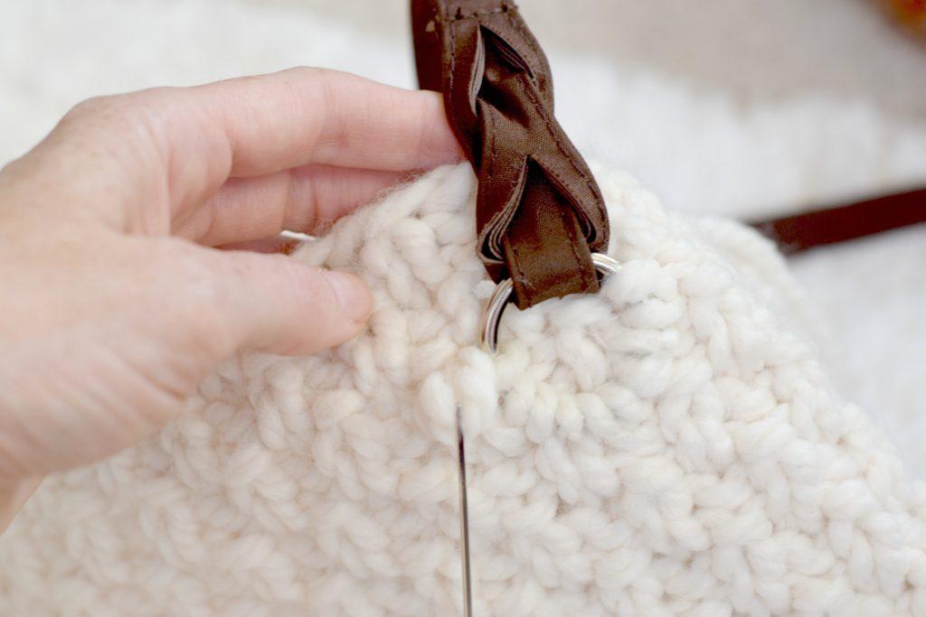 Aspen Bag - Attaching handles to knit bag