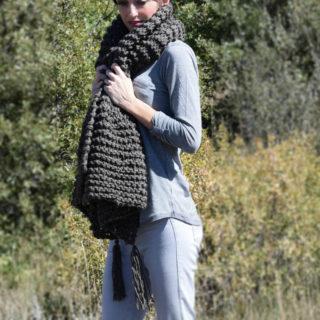 beginner-knit-shawl-scarf-1