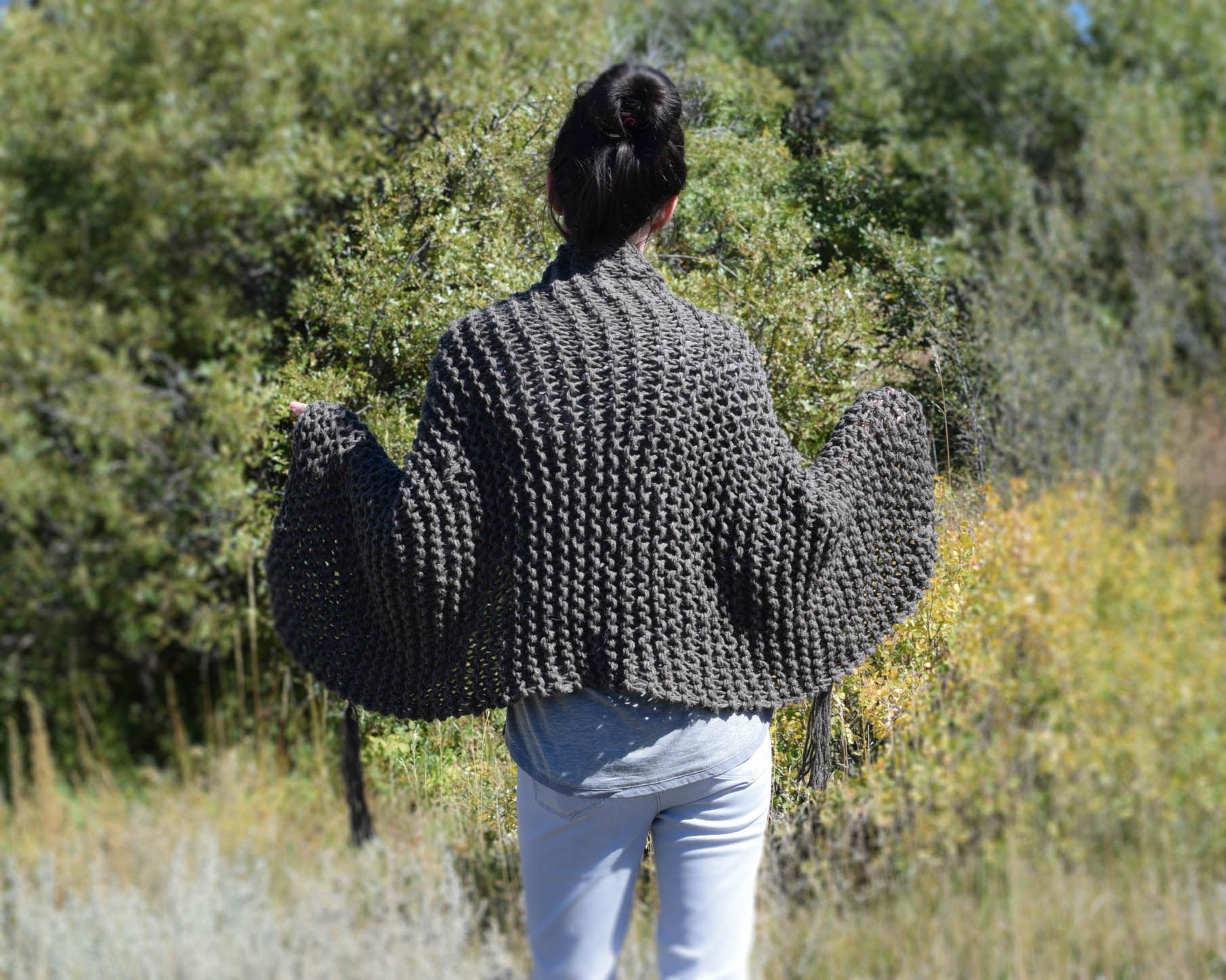 Big Beginner Knit Shawl - Scarf Pattern   Mama In A Stitch