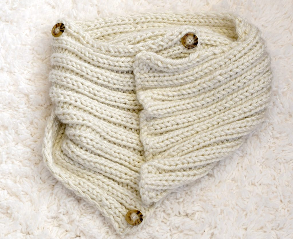 Knitted Cowl Pattern With Buttons :