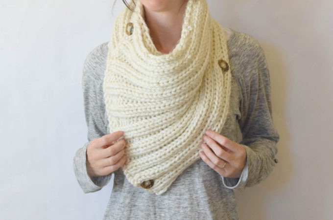 """Two Ways"" Giant Knit Ribbed Cowl Pattern"