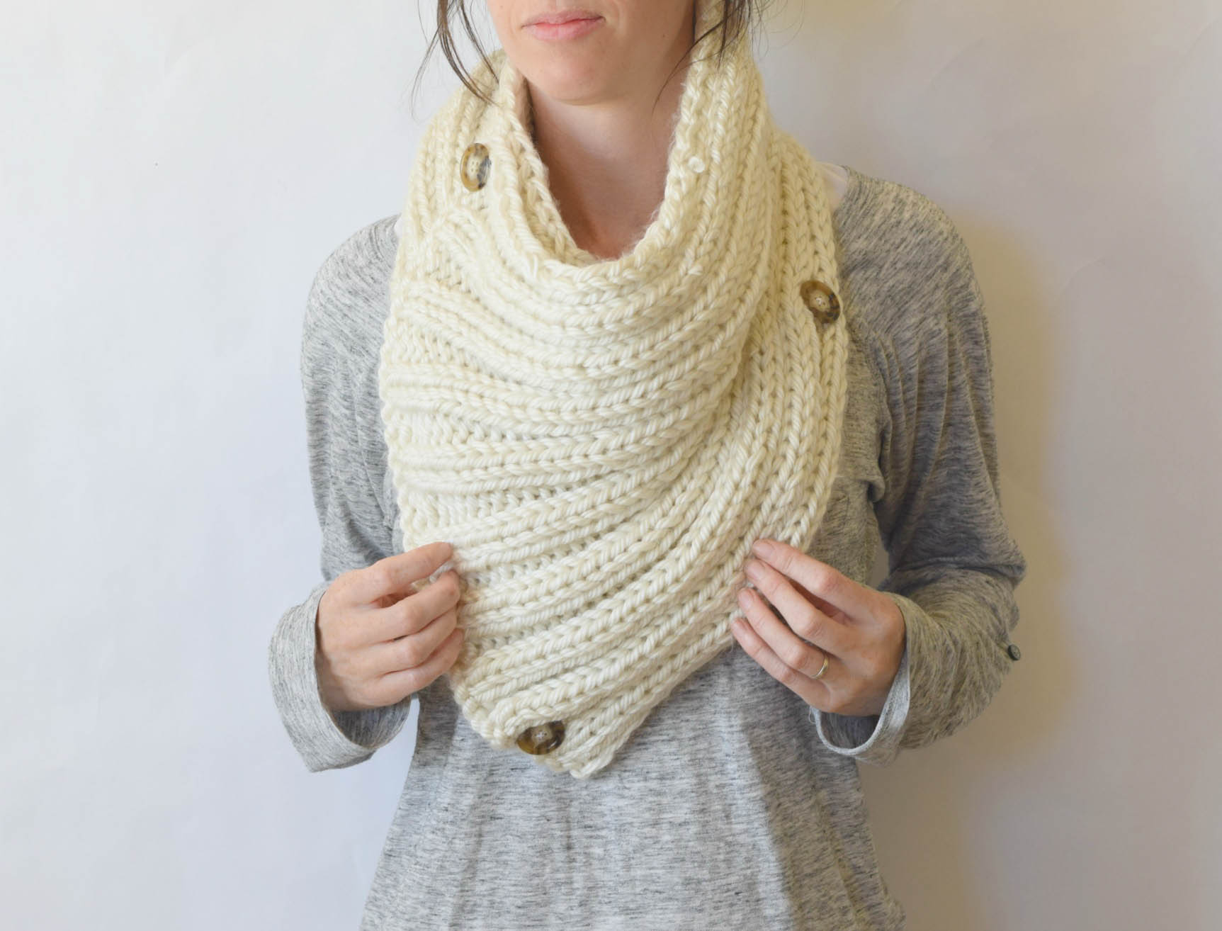 Knitting Pattern Cowl Scarf :