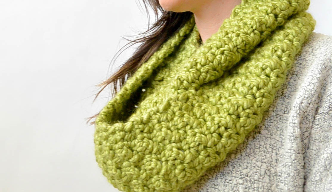 Chunky Squishy Crochet Infinity Scarf Pattern Mama In A Stitch
