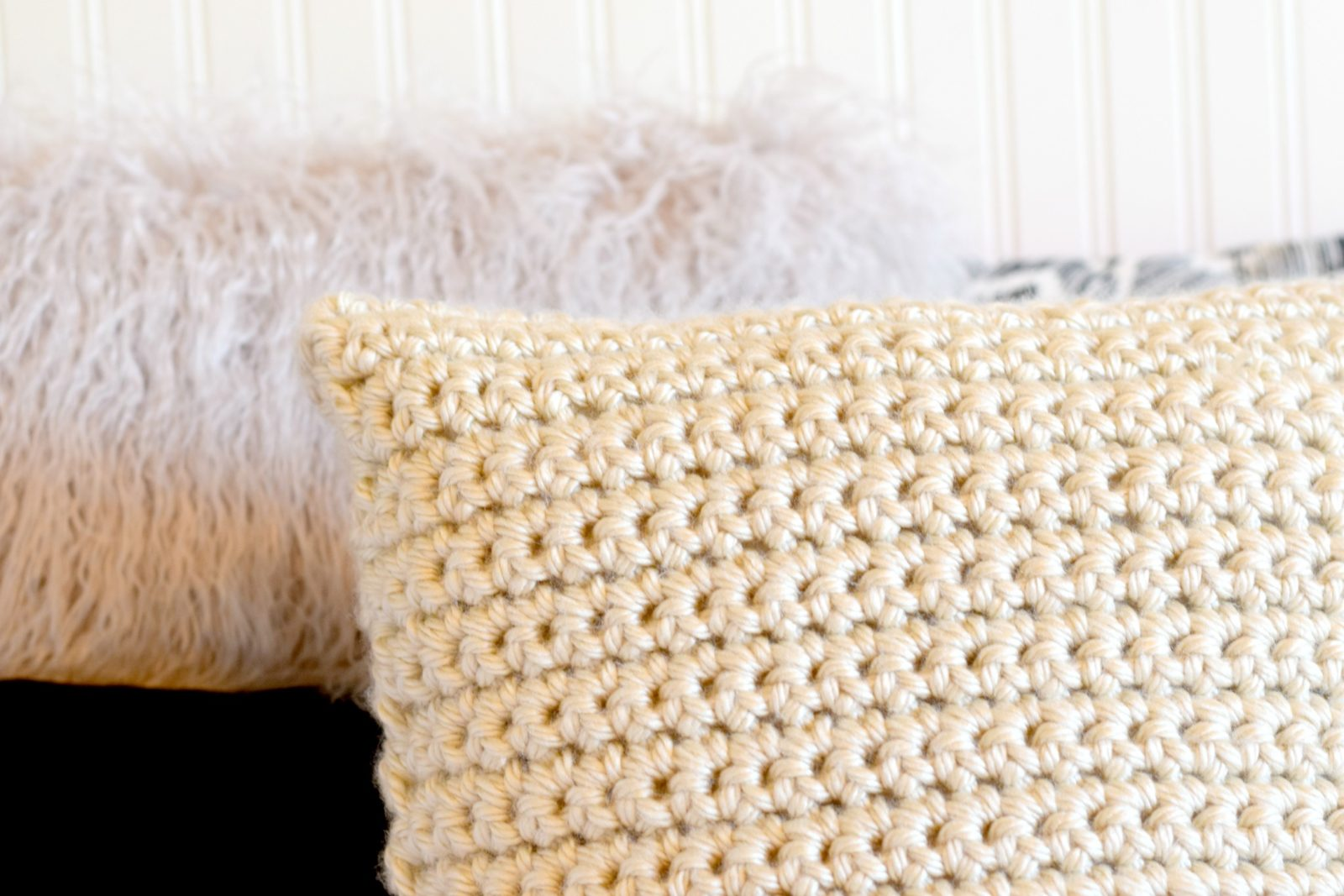 Super Chunky Crochet Pillow Project – Mama In A Stitch