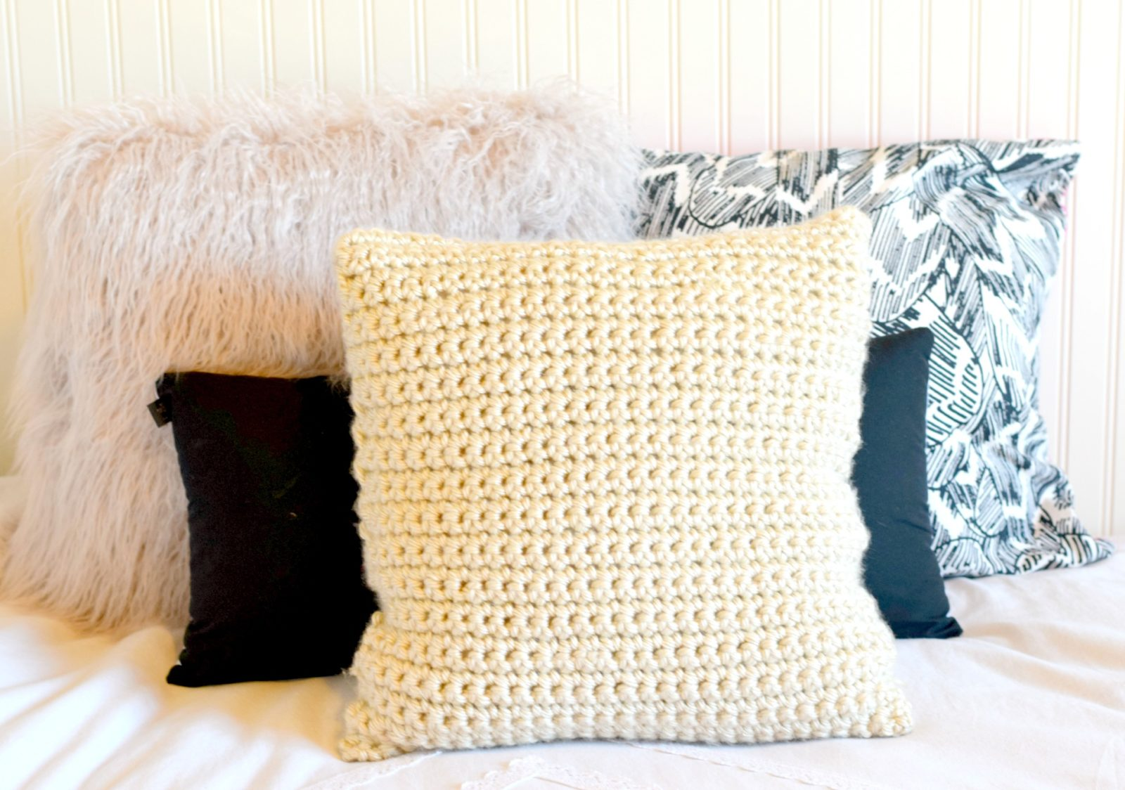 Super Chunky Crochet Pillow Project ? Mama In A Stitch