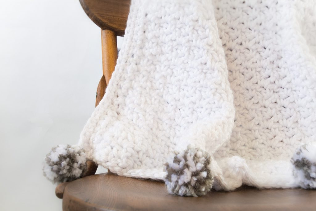 loft-pom-blanket-9