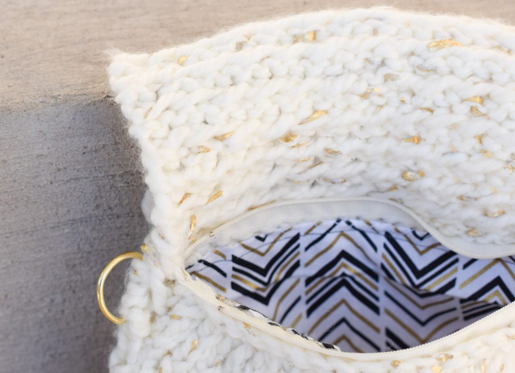 easy-knit-clutch-pattern-gold-leaf-lion-brand-3