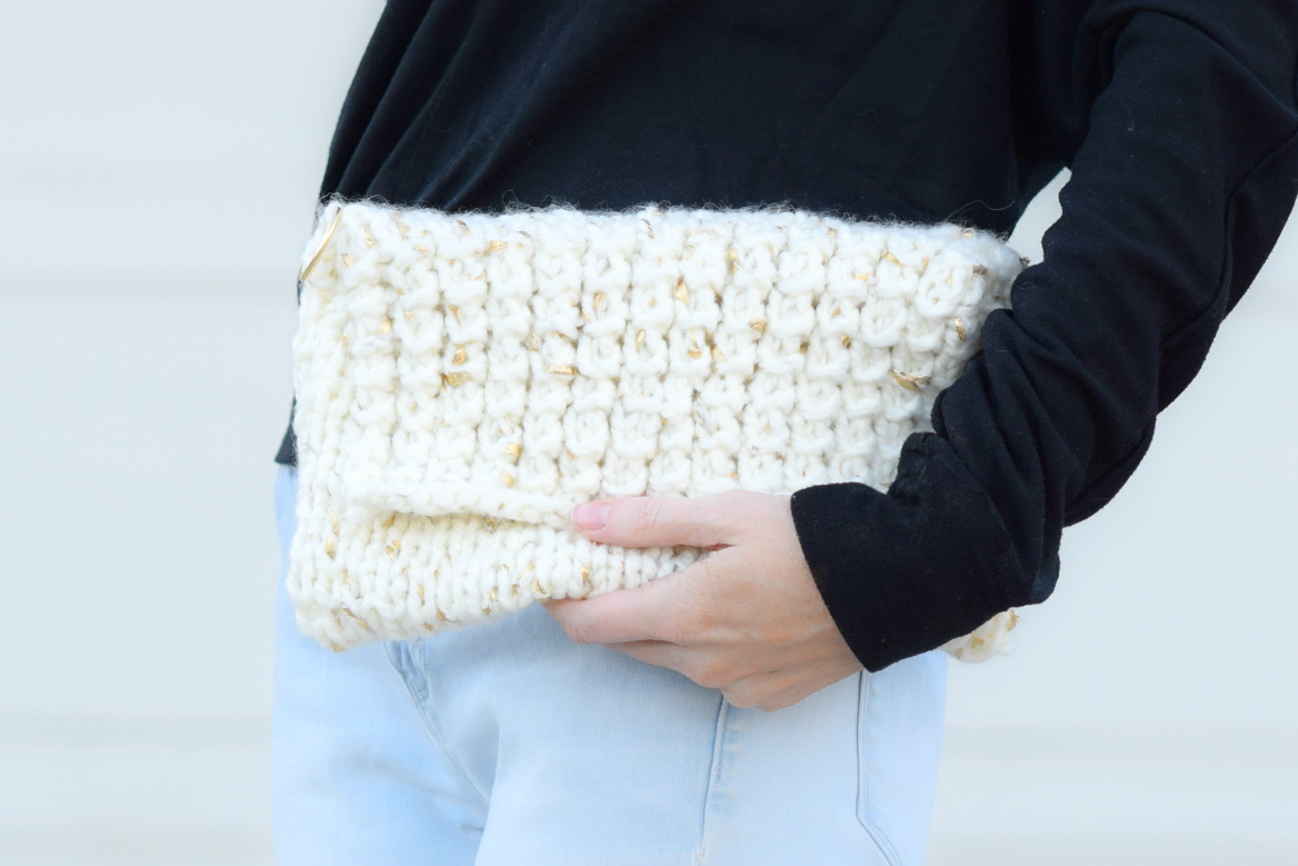 Knitted Clutch Pattern : easy-knit-clutch-pattern-gold-leaf-lion-brand-4