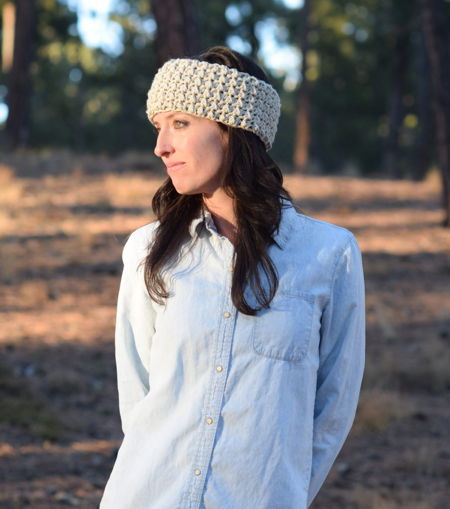 messy-bun-ear-warmer-crochet-pattern