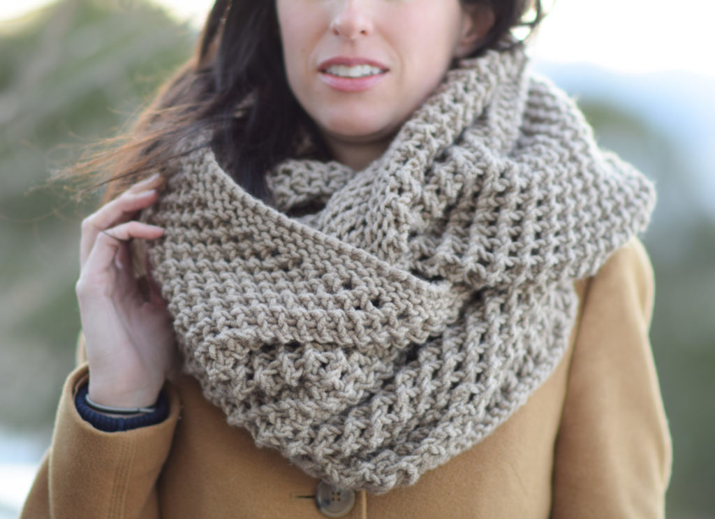 Knitting Pattern For Yarn Over Scarf : The Traveler Knit Infinicowl Scarf Pattern   Mama In A Stitch