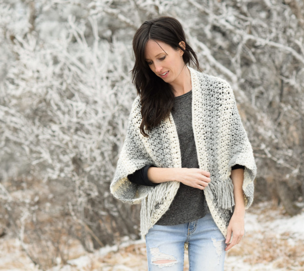 d58c1921b995de Below: The Light Snow Oversized Cardigan is a legit, chunky cardigan  pattern. I love it!