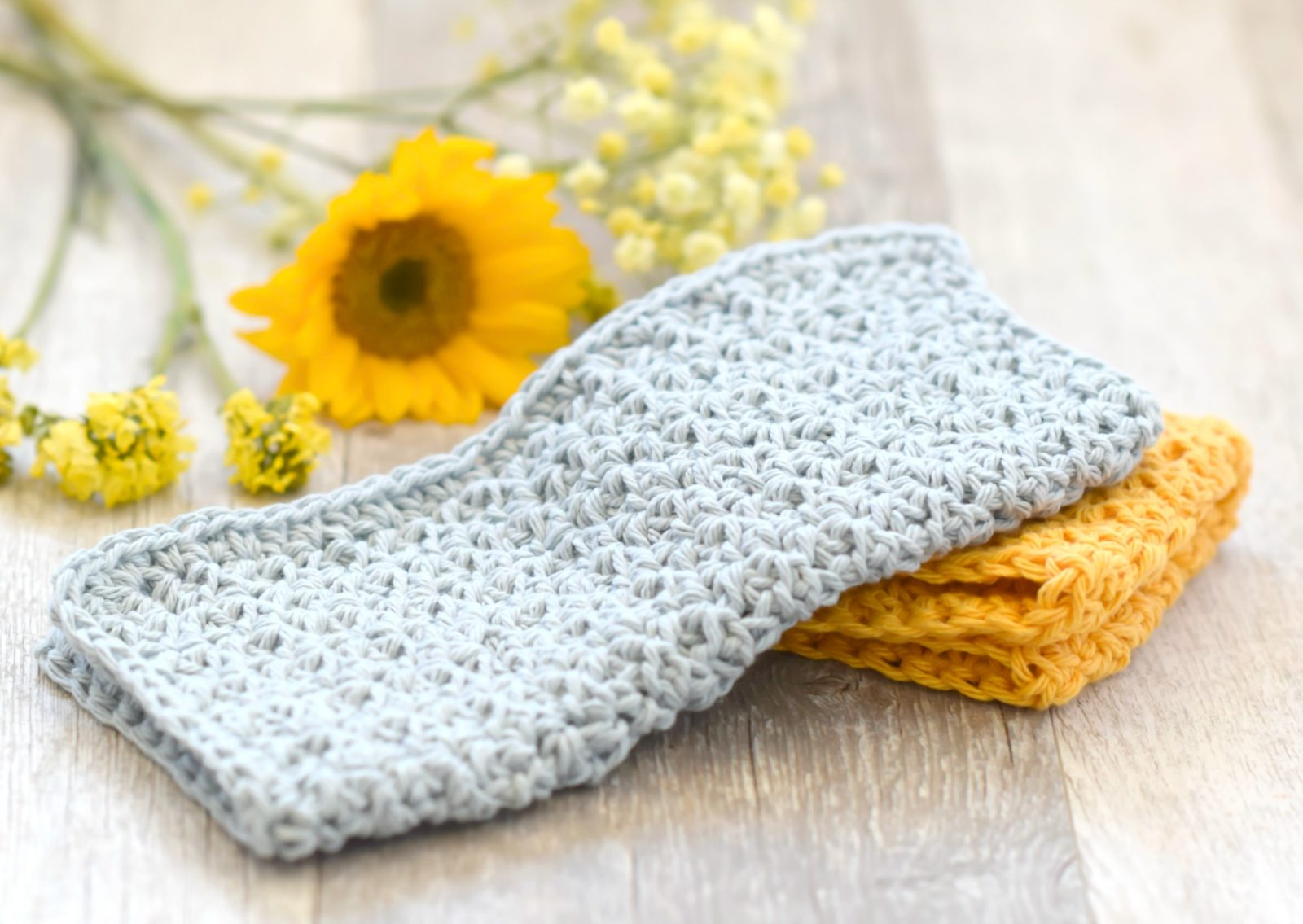 Kitchen Crochet Patterns: Farmhouse Washcloth by Mama in a Stitch