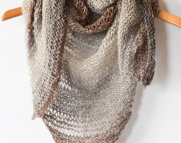 How To Knit An Easy Triangle Wrap