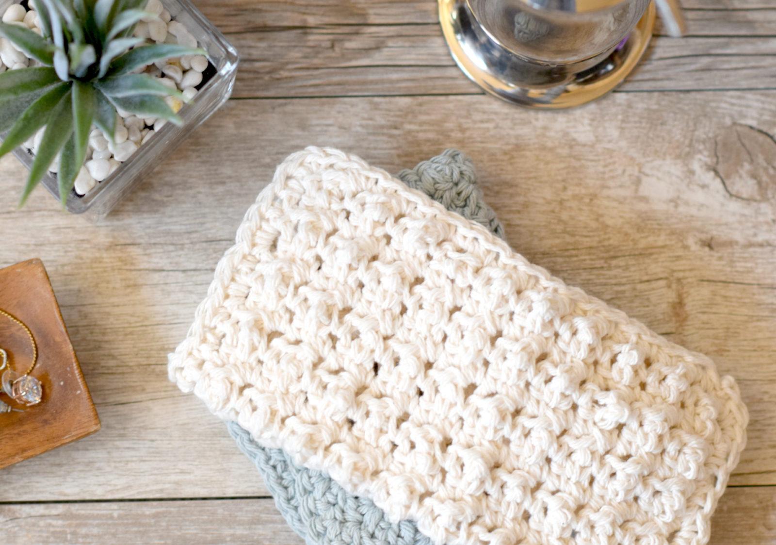 Crochet Baby Washcloth Pattern : Prettiest Lil Crocheted Washcloths ? Mama In A Stitch