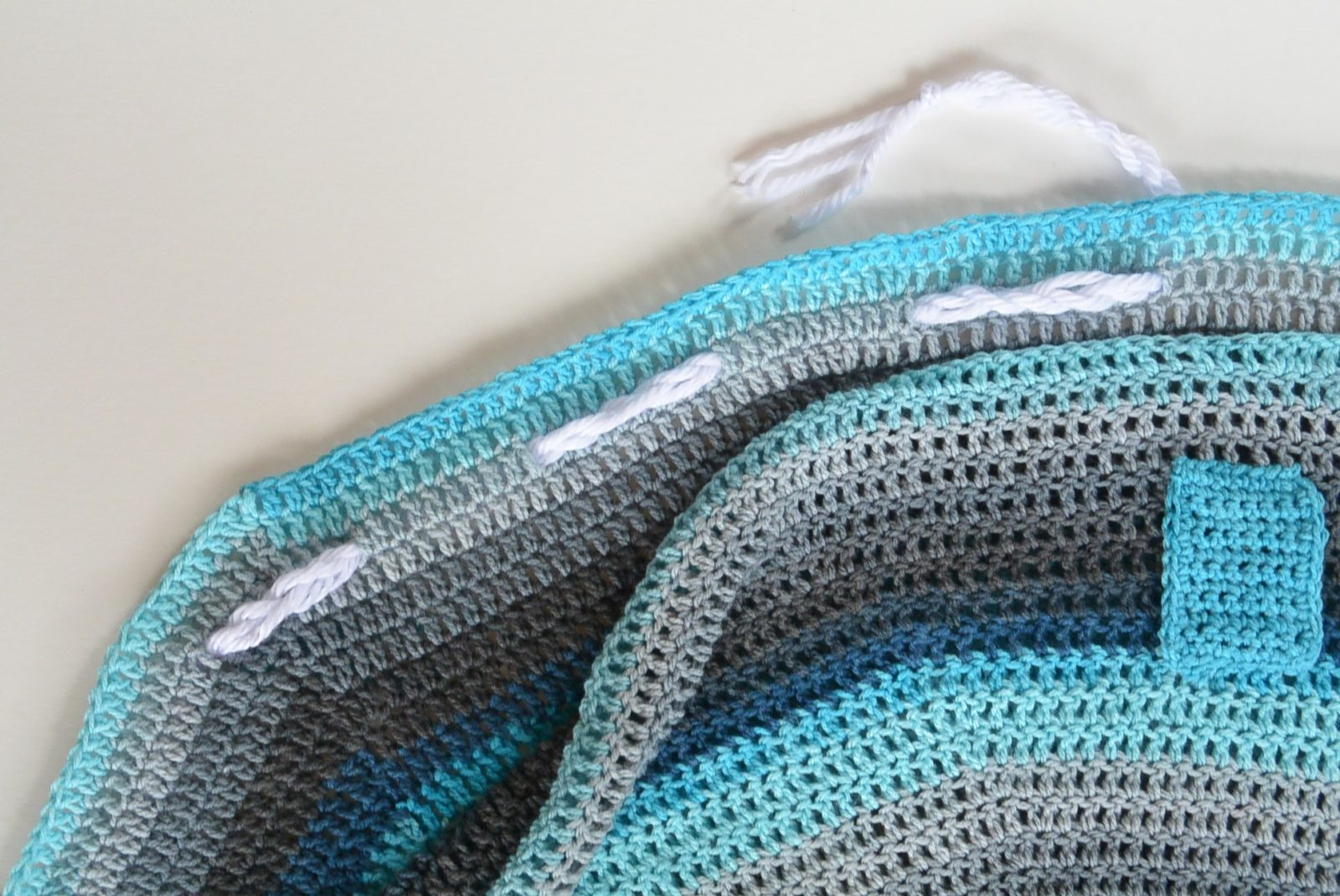 Mandala Crocheted Blanket Bag Pattern – Mama In A Stitch