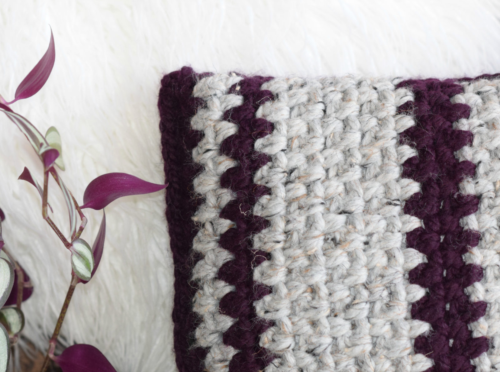 Taos Crochet Throw Pillow Amp Wool Ease Yarn Mama In A Stitch