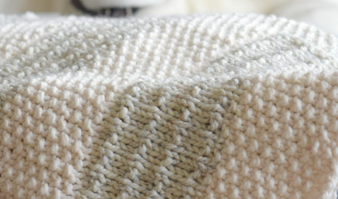 Easy Heirloom Knit Blanket Pattern - Mama In A Stitch