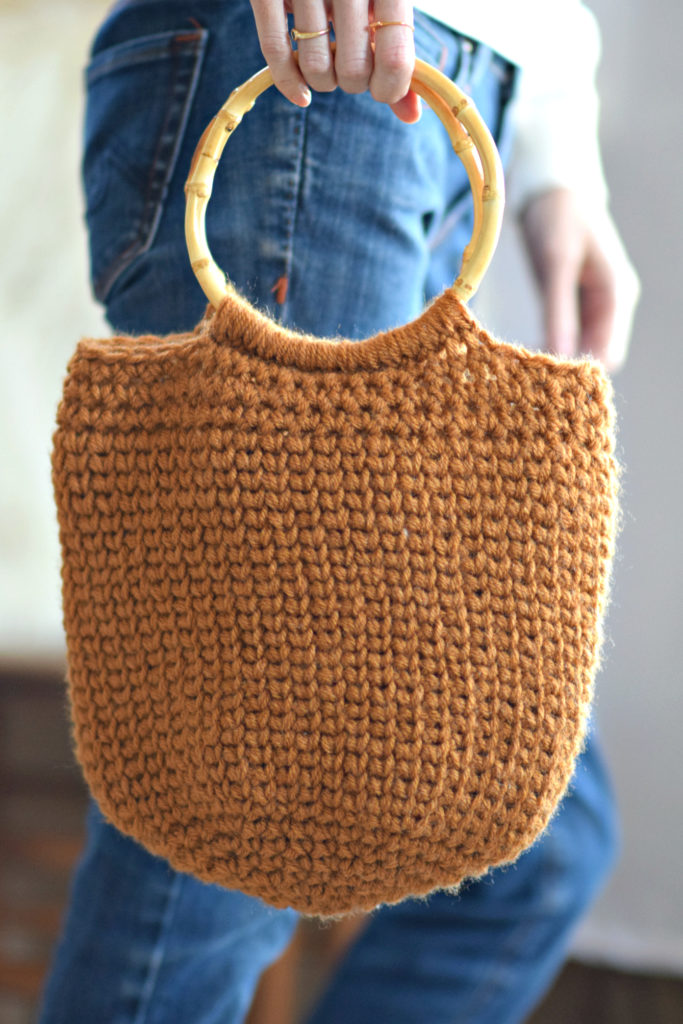 Camel Bucket Bag – Crocheted Bag Pattern