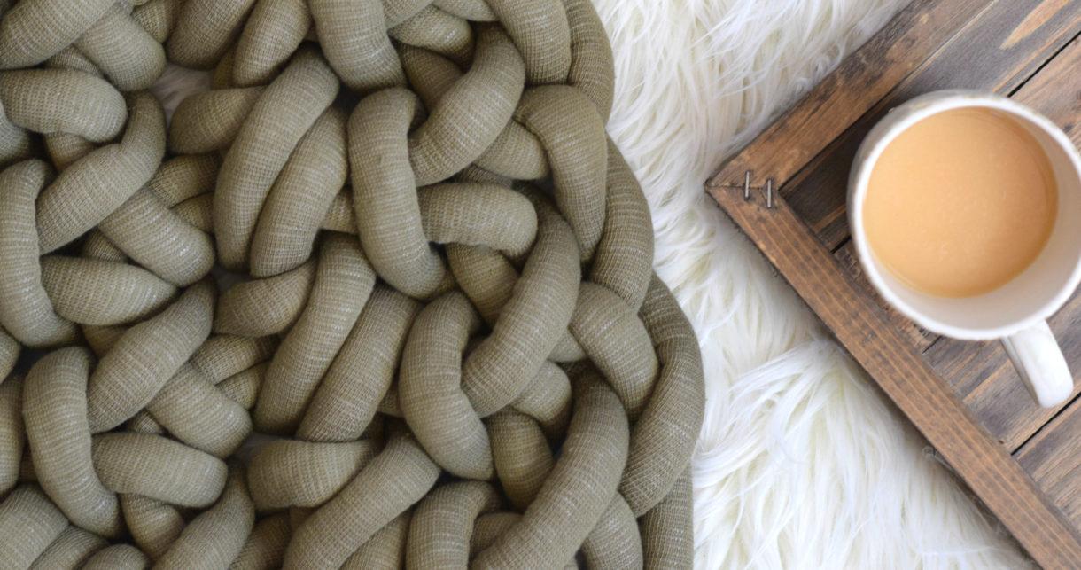 How To Hand Crochet A Big Yarn Blanket Mama In A Stitch