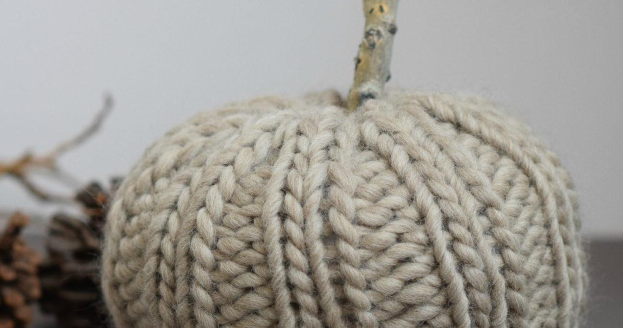 Chunky Pumpkin Free Knitting Pattern - Mama In A Stitch